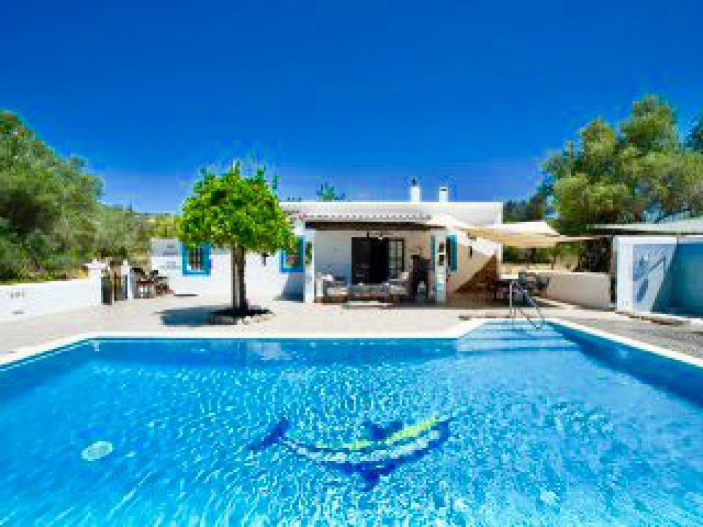 Little Cozy House With Big Pool 10 215 5 In Ibiza For 2